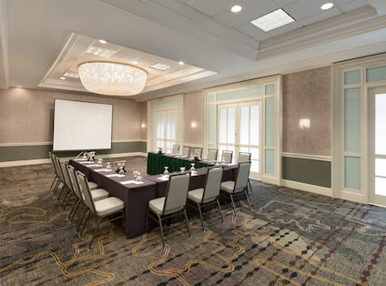 Lake Forest Meeting Space
