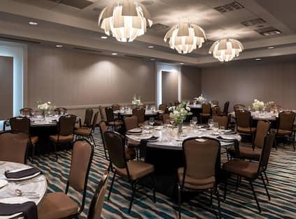 Rainier Meeting Room with Banquet Setup