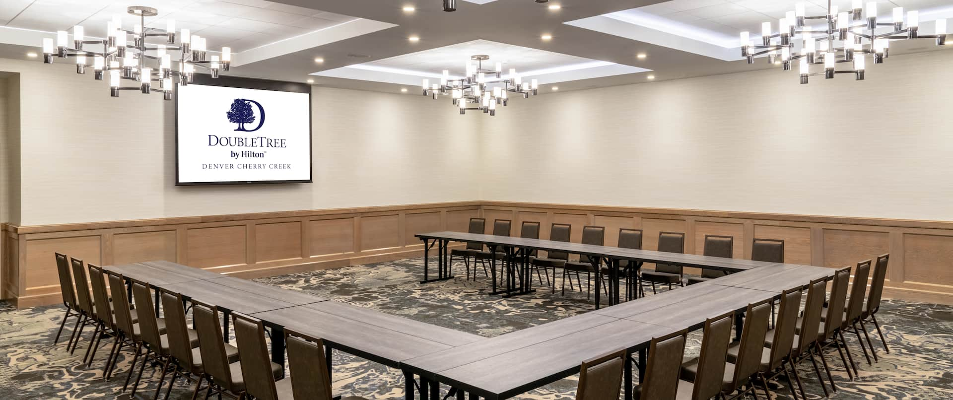 Meeting room in ushape layout