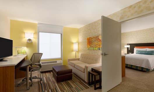1 Queen ADA Suite