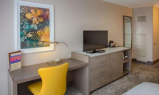 Double Queen Desk