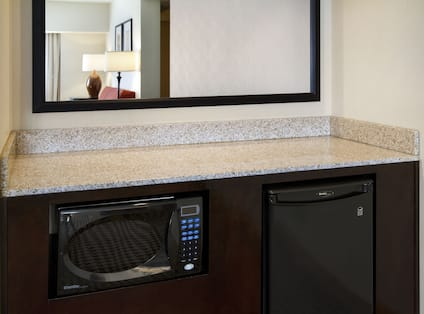 In-room safe, counter top, mirror