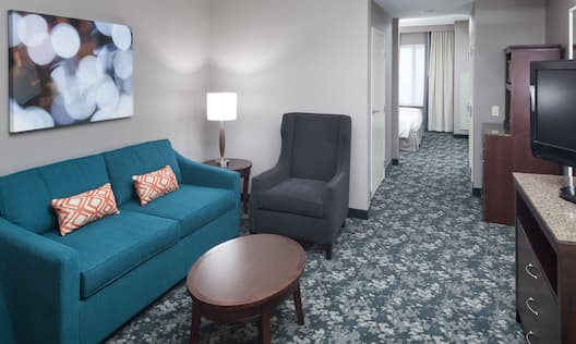 1 King Bed Suite Area