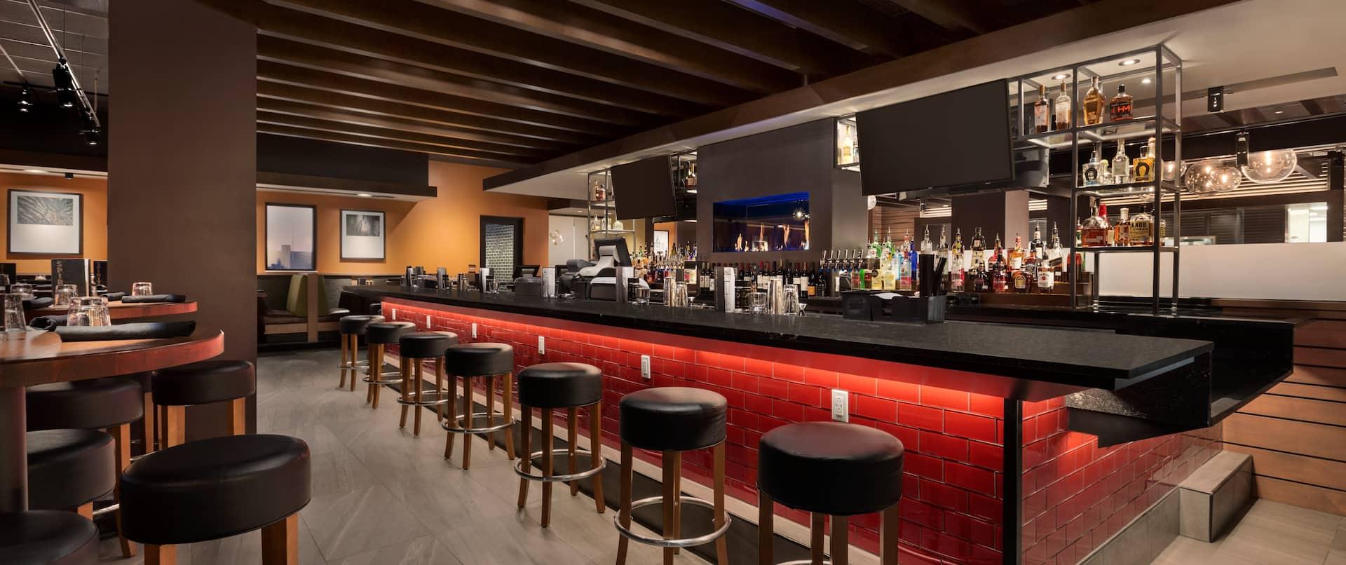 Houlihan's On-Site Restaurant Bar Area