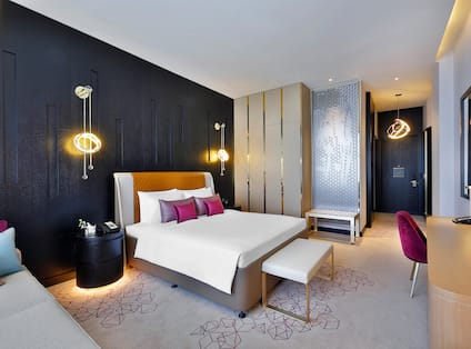 Deluxe King Room, Side
