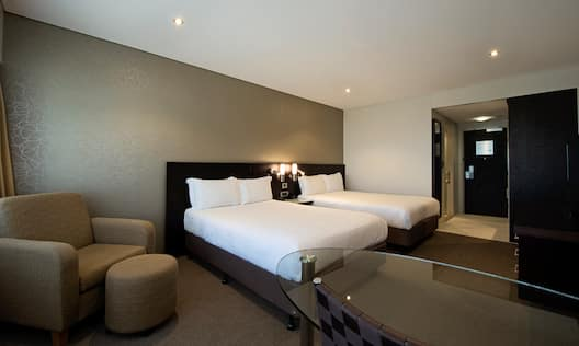 Double Double Executive Room w/ Lounge Access