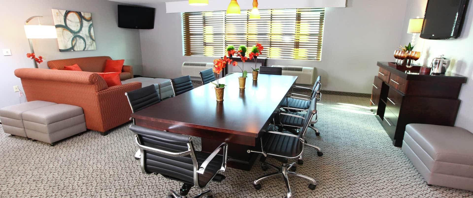 Capital Room