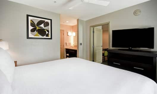 King Suite Bed View