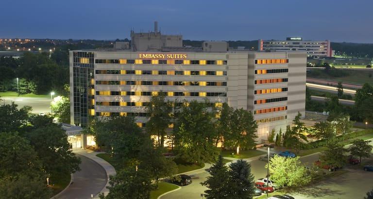Embassy Suites Detroit Troy Auburn Hills Hotel Michigan