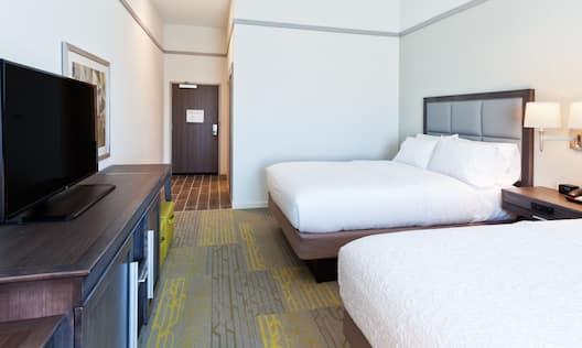 2 Queens Bedroom