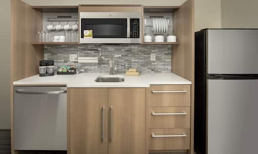 Full Kitchen with Microwave and Refridgerator