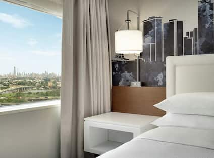 King Guest Room with City Views