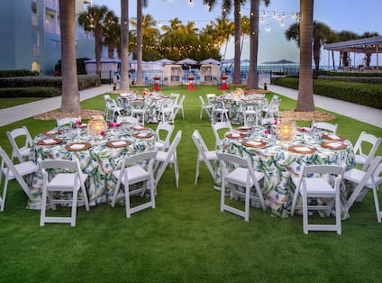 Dinner Event Celebrated at Palms Lawn