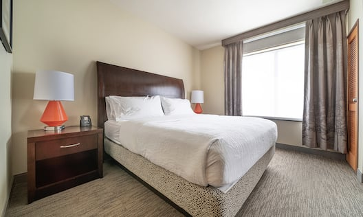 King Accessible Guestbed