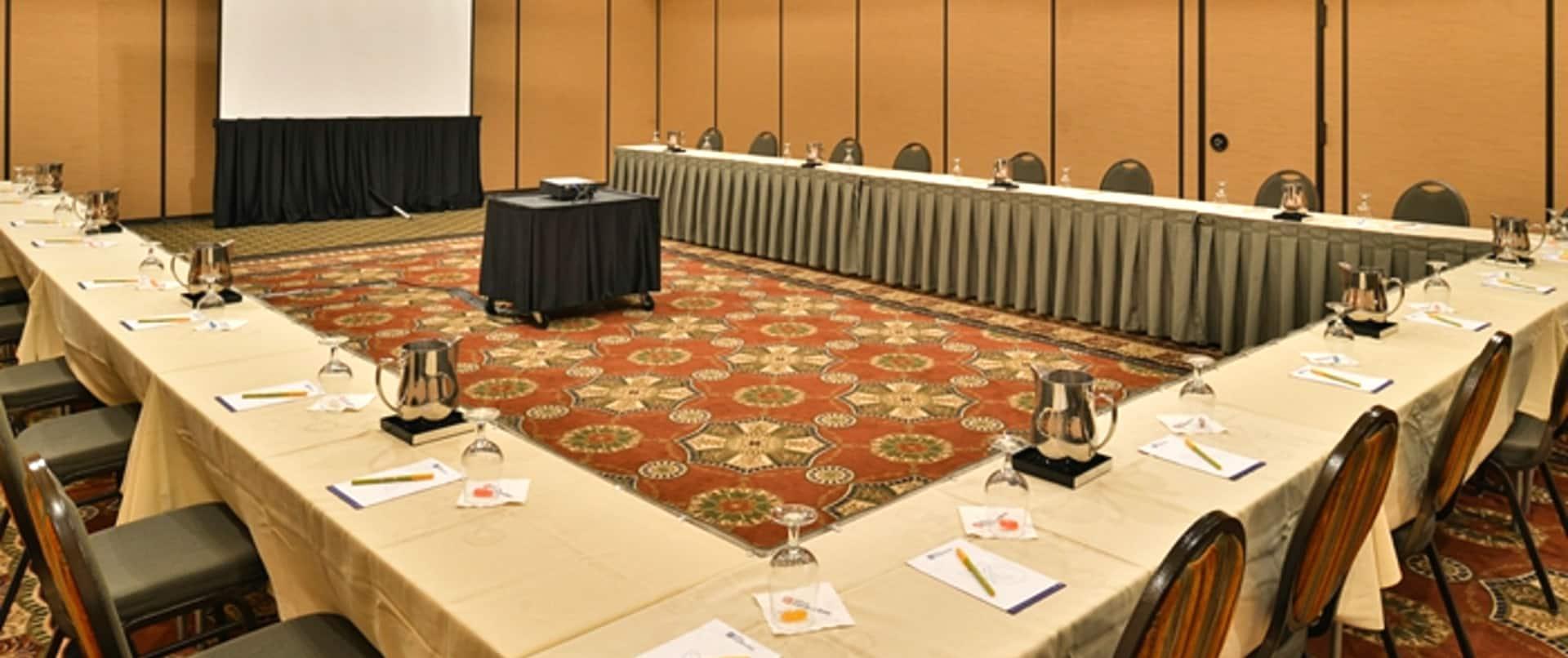 U-Shaped Meeting Set-Up