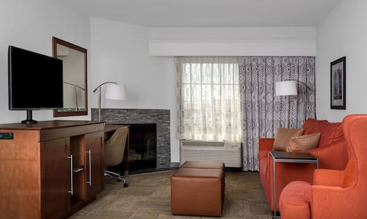 King Whirlpool Suite Living Area