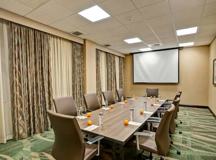 Small Meeting Room for Events & Meetings