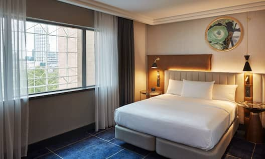 Guest Room, 1 Queen Bed with Window View