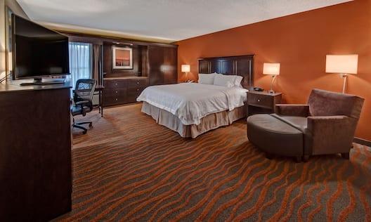 King Whirlpool Bedroom