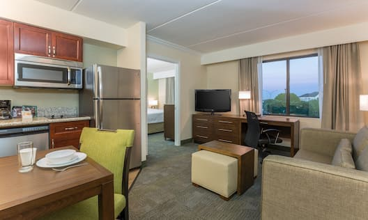 1 King Room Suite Living Area