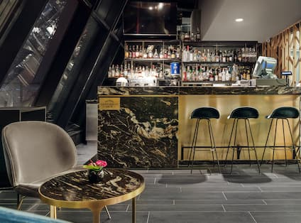 High 5 Terrace Bar