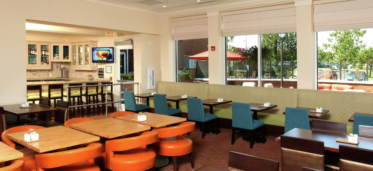 2WEST Bar & Grill Seats