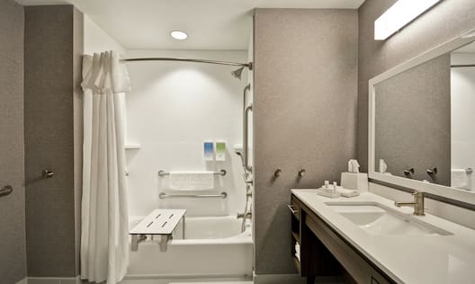 2 Queen Studio Accessible Bathroom