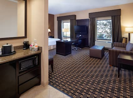 King Suite with Whirlpool Tub