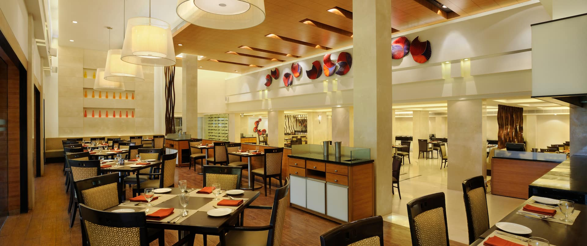 Flame, restaurant at lobby level