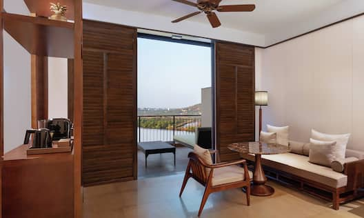 Deluxe River View Room Angle