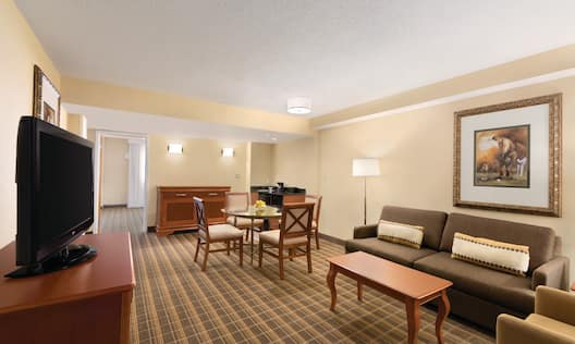 3 Room Exec Suite