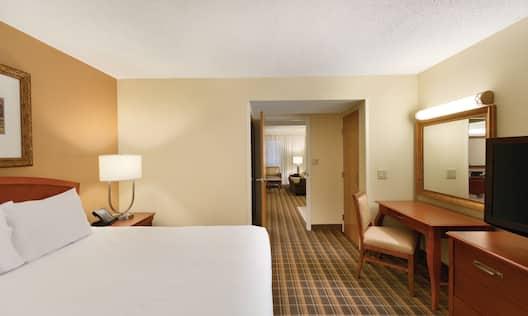 2 Room Suite 1 King Bed