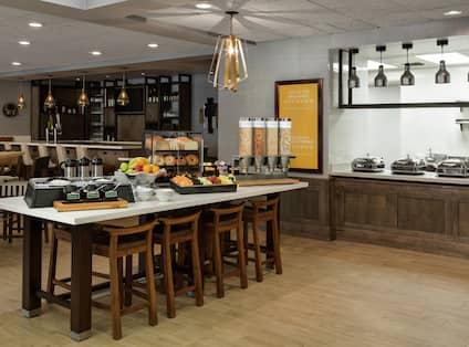 Breakfast at the Garden Grille & Bar