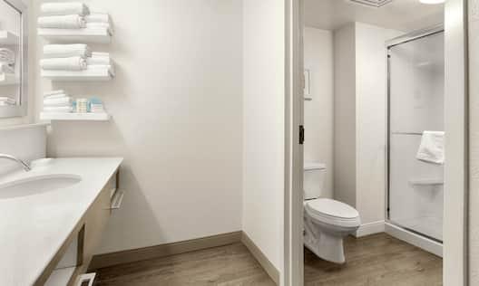 Suite Bathroom, Walk-In Shower
