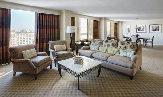 Guestroom Suite Seating Area