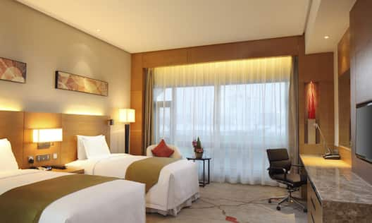 Twin Deluxe Room with Private Balcony