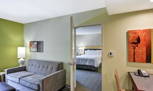 Accessible Queen Bedroom Suite
