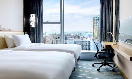 Twin Deluxe Harbour View Room