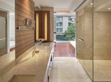 3 Bedroom Family Suite Bathroom
