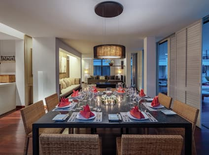 3 Bedroom Family Suite Dining Table