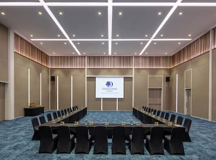U- Shape Meeting Room