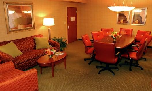Executive Suite Parlor