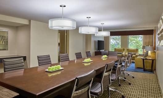 Guestroom Suite Conference Area