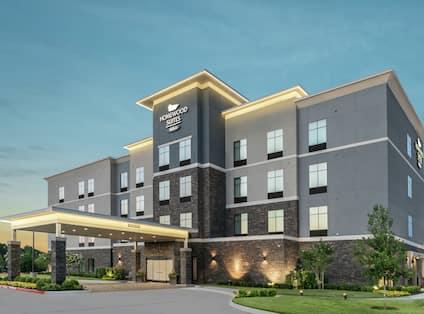 Homewood Suites Houston Memorial City Hotel Exterior at Dusk