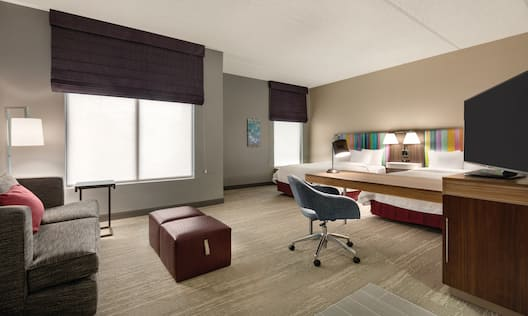 Accessible Guestroom Suite with Living Area
