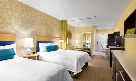 2 Queen Studio Suite Beds
