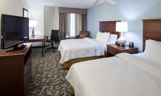 2 Queen Beds 1 Bedroom Suite
