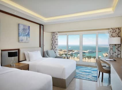 Twin Deluxe Room with Sea View