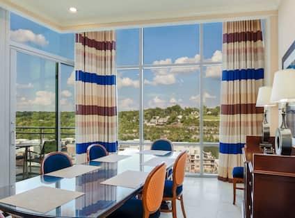 Superior Condo Dining Area