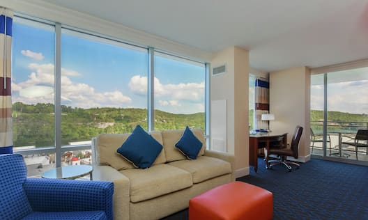 Living Area King Deluxe with Floor to Ceiling Windows